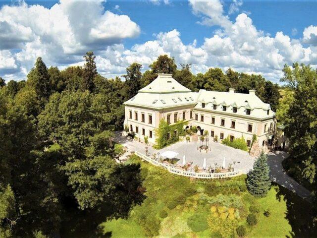 Manor House - the Odrowąż Palace in Chlewiska