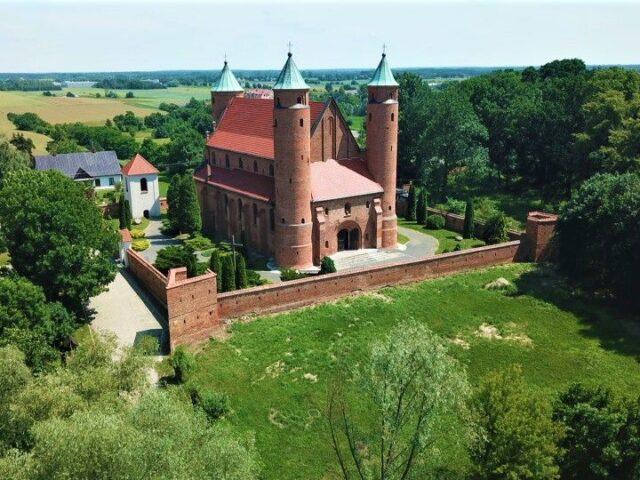 Church in Brochów