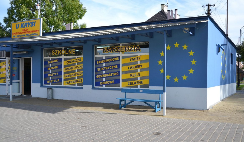 """The most famous bench in Poland by """"U Krysi"""" store in Jeruzal / Wilkowyje"""